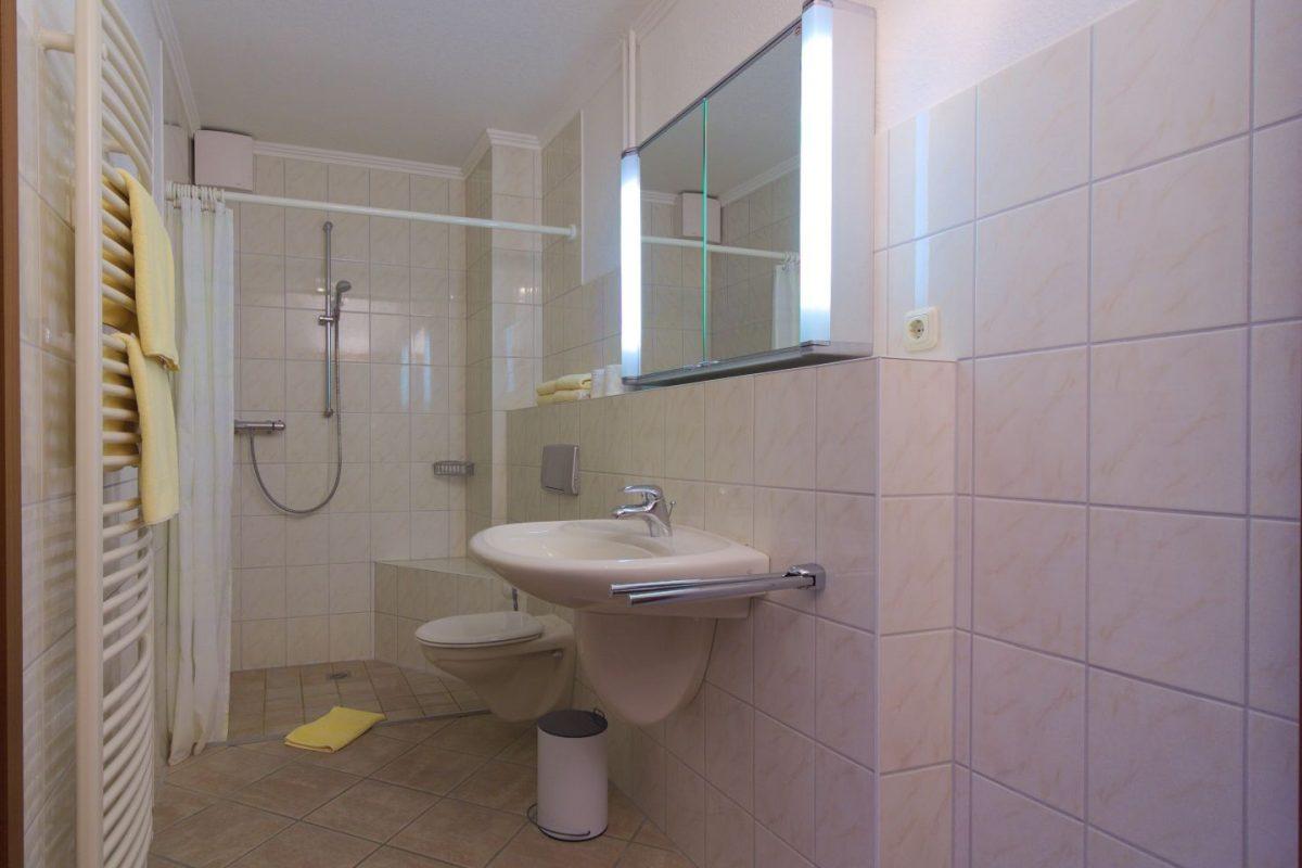 wohnung 69 qm | ferienwohnungen reimann, Badezimmer ideen